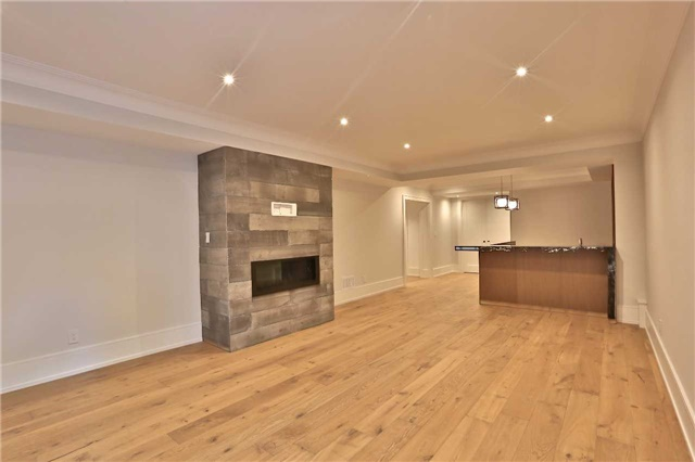 Detached at 268 Eastcourt Rd, Oakville, Ontario. Image 9