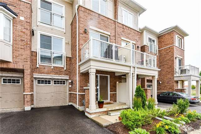 Townhouse at 165 Hampshire Way, Unit 64, Milton, Ontario. Image 1