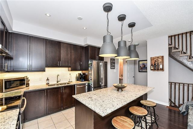 Townhouse at 165 Hampshire Way, Unit 64, Milton, Ontario. Image 15