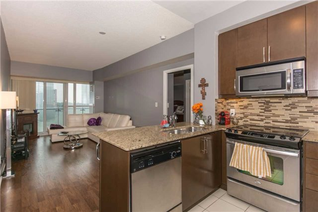 Condo Apartment at 50 Absolute Ave, Unit 901, Mississauga, Ontario. Image 17