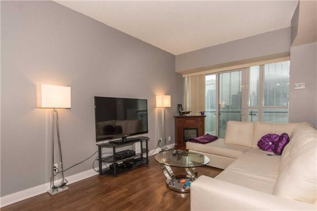 Condo Apartment at 50 Absolute Ave, Unit 901, Mississauga, Ontario. Image 3