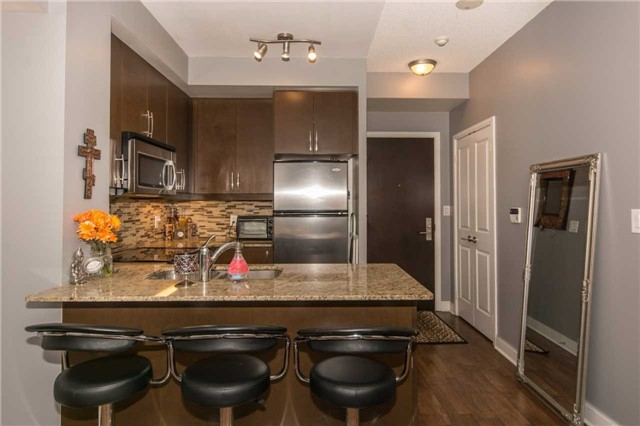 Condo Apartment at 50 Absolute Ave, Unit 901, Mississauga, Ontario. Image 5