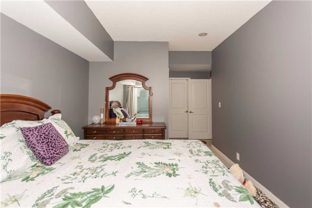 Condo Apartment at 50 Absolute Ave, Unit 901, Mississauga, Ontario. Image 7