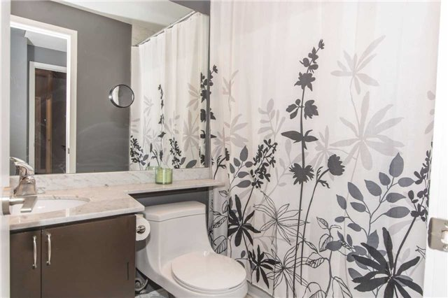 Condo Apartment at 50 Absolute Ave, Unit 901, Mississauga, Ontario. Image 8