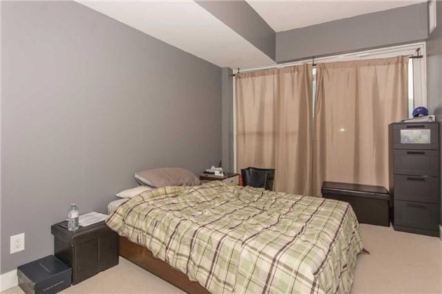 Condo Apartment at 50 Absolute Ave, Unit 901, Mississauga, Ontario. Image 9