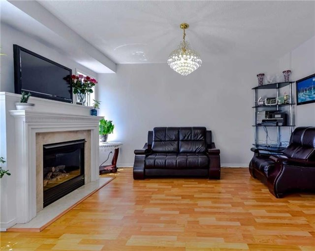 Link at 700 Rossellini Dr, Mississauga, Ontario. Image 17