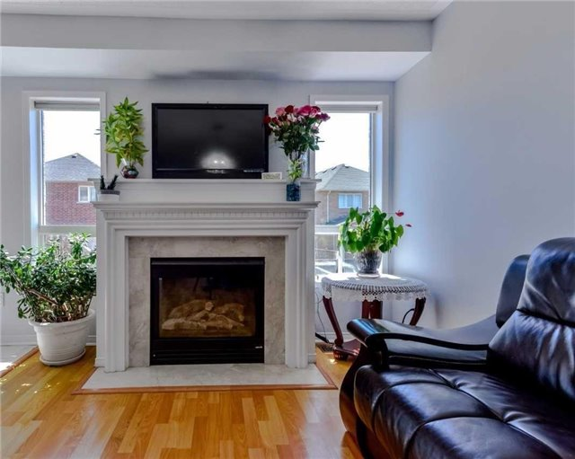 Link at 700 Rossellini Dr, Mississauga, Ontario. Image 18