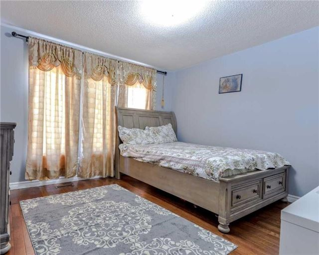 Link at 700 Rossellini Dr, Mississauga, Ontario. Image 6