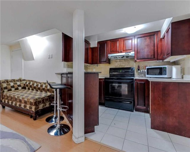 Link at 700 Rossellini Dr, Mississauga, Ontario. Image 9