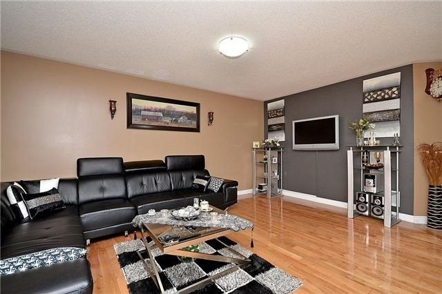 Detached at 253 Giddings Cres, Milton, Ontario. Image 17