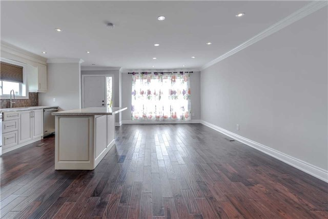 Semi-detached at 2349 Whaley Dr, Mississauga, Ontario. Image 7