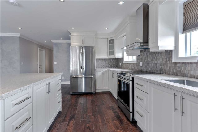 Semi-detached at 2349 Whaley Dr, Mississauga, Ontario. Image 10