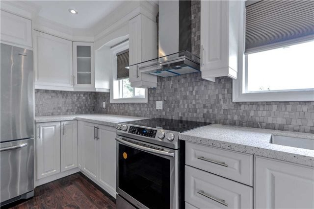 Semi-detached at 2349 Whaley Dr, Mississauga, Ontario. Image 11