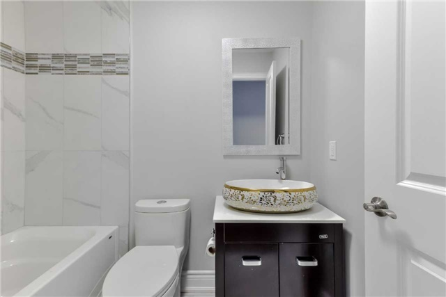 Semi-detached at 2349 Whaley Dr, Mississauga, Ontario. Image 14