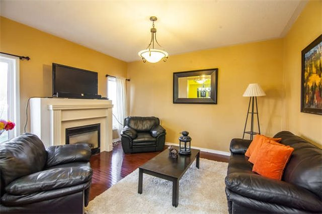 Detached at 486 Acumen Crt, Mississauga, Ontario. Image 14