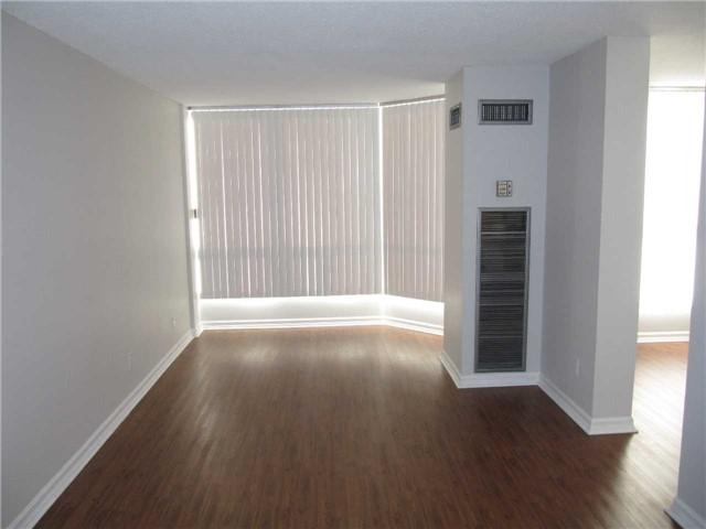 Condo Apartment at 155 Hillcrest Ave, Unit 1712, Mississauga, Ontario. Image 6