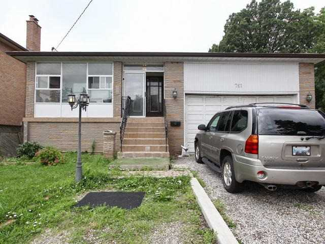 Detached at 761 Albion Rd, Toronto, Ontario. Image 1