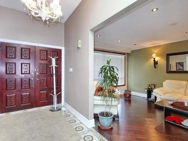 Detached at 761 Albion Rd, Toronto, Ontario. Image 15