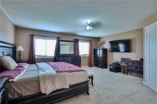 Detached at 67 Donwoods Crt, Brampton, Ontario. Image 7