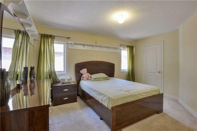 Detached at 67 Donwoods Crt, Brampton, Ontario. Image 10