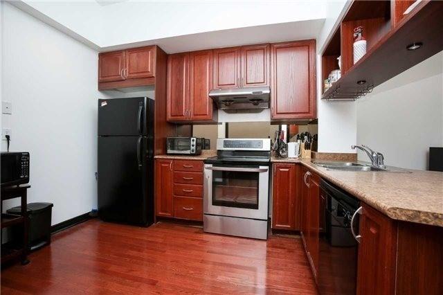 Condo Apartment at 4090 Living Arts Dr, Unit 312, Mississauga, Ontario. Image 17
