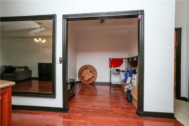 Condo Apartment at 4090 Living Arts Dr, Unit 312, Mississauga, Ontario. Image 19