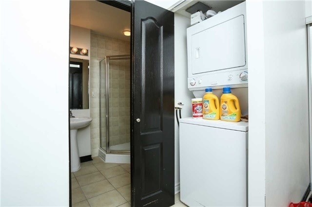 Condo Apartment at 4090 Living Arts Dr, Unit 312, Mississauga, Ontario. Image 2