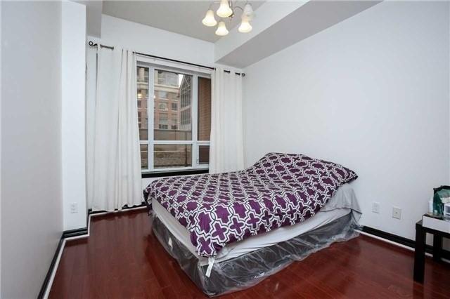 Condo Apartment at 4090 Living Arts Dr, Unit 312, Mississauga, Ontario. Image 4