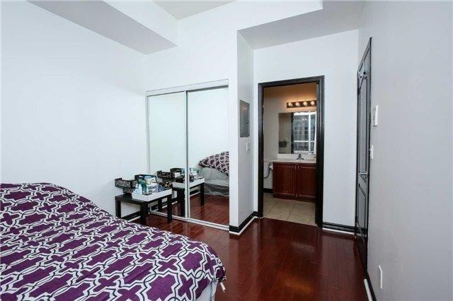 Condo Apartment at 4090 Living Arts Dr, Unit 312, Mississauga, Ontario. Image 5