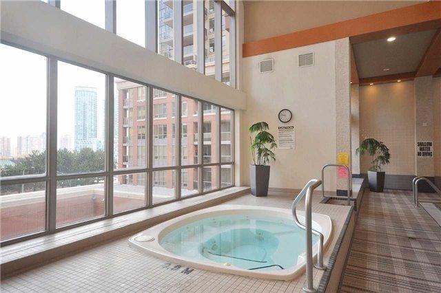 Condo Apartment at 4090 Living Arts Dr, Unit 312, Mississauga, Ontario. Image 9