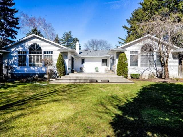 Detached at 200 Glenview Dr, Mississauga, Ontario. Image 11