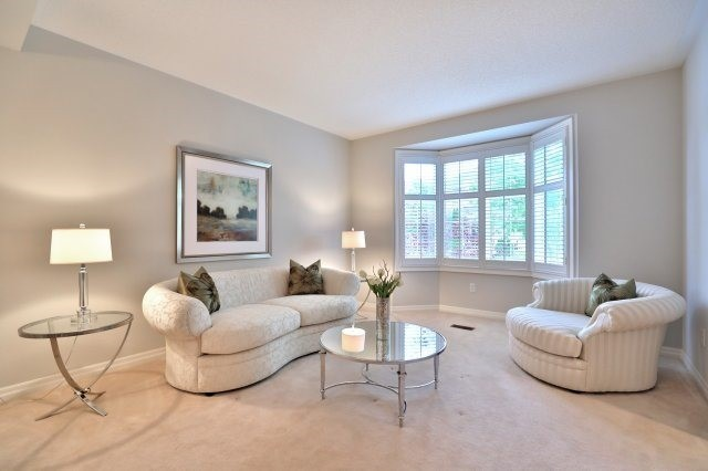 Detached at 2368 Gooseberry Way, Oakville, Ontario. Image 12
