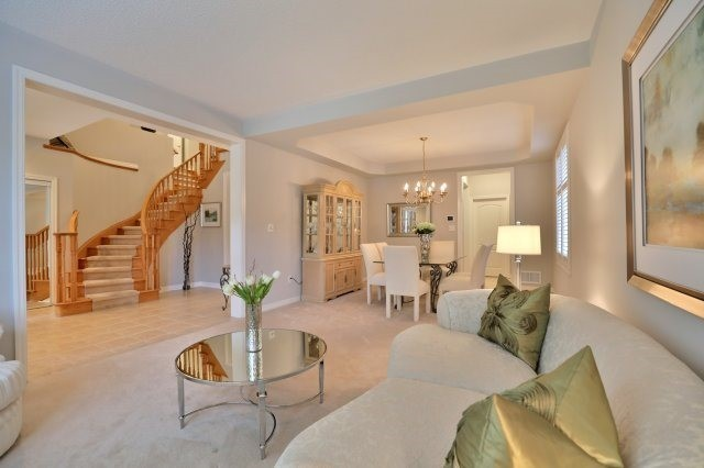 Detached at 2368 Gooseberry Way, Oakville, Ontario. Image 13