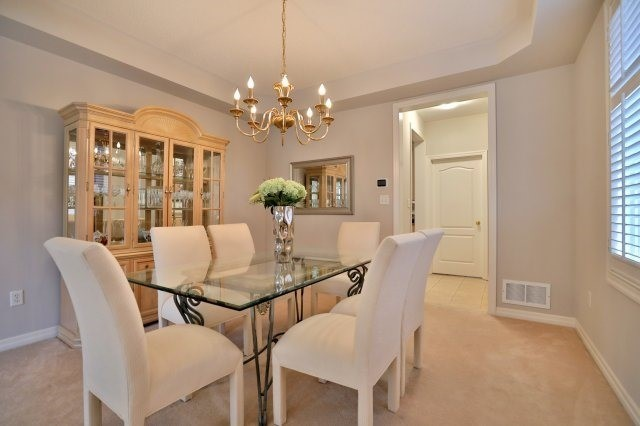 Detached at 2368 Gooseberry Way, Oakville, Ontario. Image 14