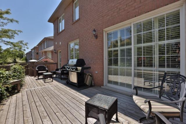 Detached at 2368 Gooseberry Way, Oakville, Ontario. Image 10