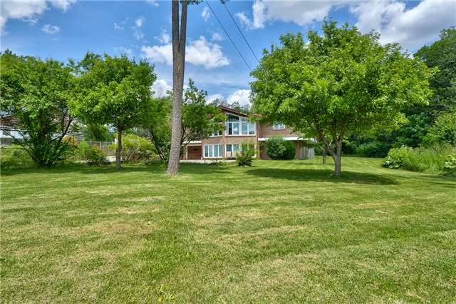 Detached at 3241 Regional Road 25, Oakville, Ontario. Image 6