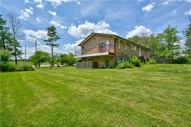 Detached at 3241 Regional Road 25, Oakville, Ontario. Image 9