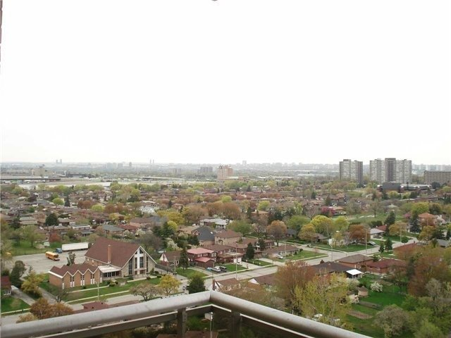 Condo Apartment at 390 Dixon Rd, Unit 1904, Toronto, Ontario. Image 13