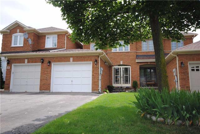 Townhouse at 33 Shady Pine Circ, Brampton, Ontario. Image 1