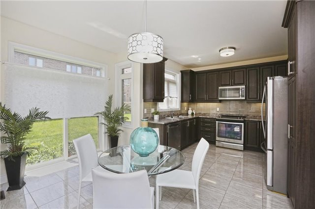 Detached at 6 Blackstone River Dr, Brampton, Ontario. Image 2