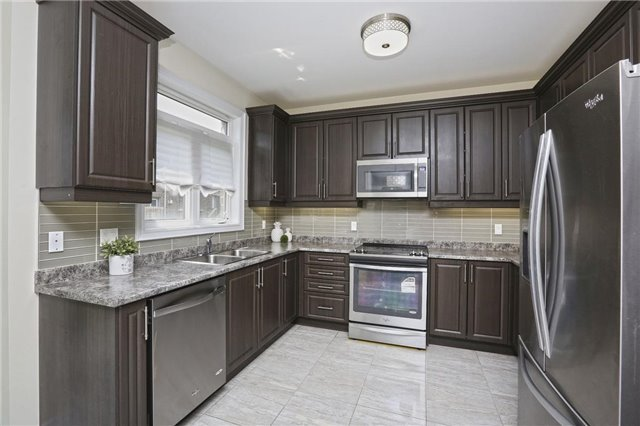 Detached at 6 Blackstone River Dr, Brampton, Ontario. Image 3