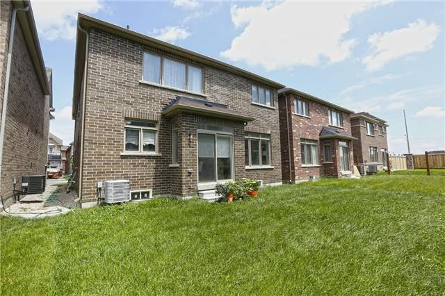 Detached at 6 Blackstone River Dr, Brampton, Ontario. Image 13