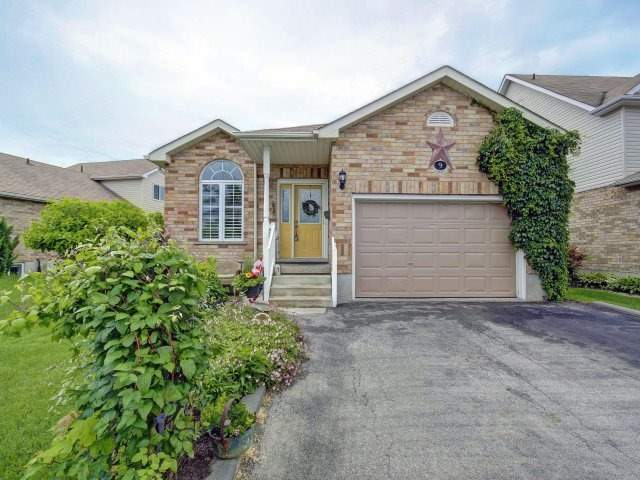 Detached at 9 Beardmore Cres, Halton Hills, Ontario. Image 1
