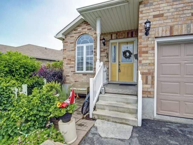 Detached at 9 Beardmore Cres, Halton Hills, Ontario. Image 14