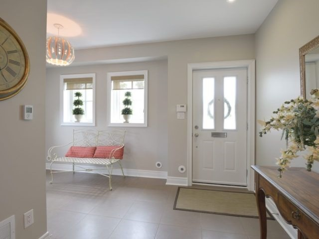 Semi-detached at 1863 Pagehurst Ave, Mississauga, Ontario. Image 14