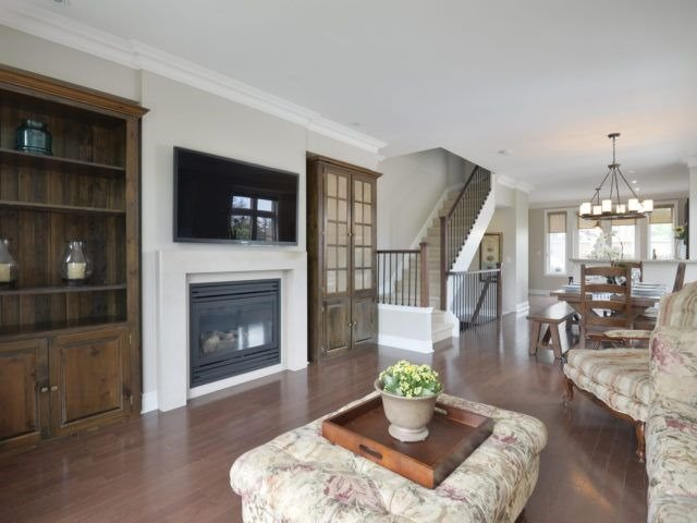 Semi-detached at 1863 Pagehurst Ave, Mississauga, Ontario. Image 2