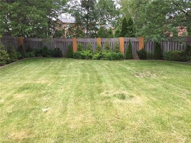 Detached at 1329 Clearview Dr, Oakville, Ontario. Image 7