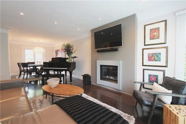 Detached at 976 Filmandale Rd, Burlington, Ontario. Image 13