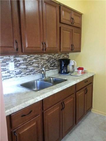 Condo Apartment at 940 Caledonia Rd, Unit 906, Toronto, Ontario. Image 4