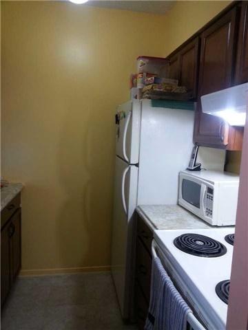 Condo Apartment at 940 Caledonia Rd, Unit 906, Toronto, Ontario. Image 5